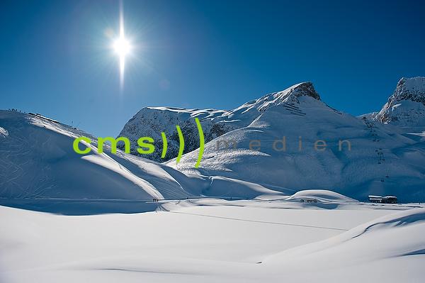 CMS-MEDIEN PRESSEBILDAGENTUR: Skifahren in Lech am Arlberg, Österreich