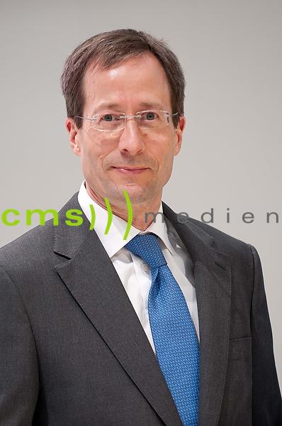 Axel Strotbek - Mitglied des Vorstands der AUDI AG - Finanz und Organisation- Jahrespressekonferenz der AUDI AG in Ingolstadt - Audi Forum 3.3.2016