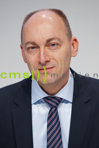 Dr.-Ing. Stefan Knirsch - Mitglied des Vorstands der AUDI AG - Technische Entwicklung - Jahrespressekonferenz der AUDI AG in Ingolstadt - Audi Forum 3.3.2016