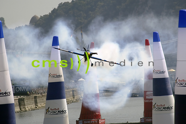 CMS-MEDIEN BILDARCHIV: Red Bull Air Race World Championship - Qualifying session Hungary 2009