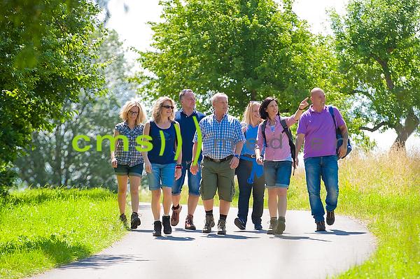 Tourismus: Wandergruppe in der Fränkischen Toskana - model released © CMS-MEDIEN.EU