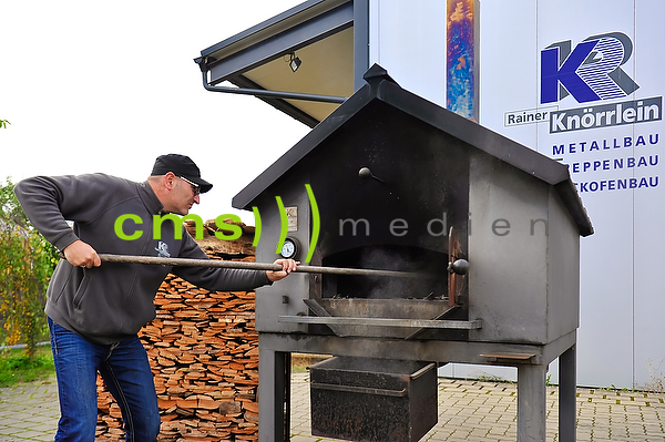 Reportage: Backofenbau, Holzofenbau, Holzofenbrot, Backen, Backofenbau Knörrlein Pödeldorf bei Bamberg - Fränkische Toskana © CMS-MEDIEN.EU